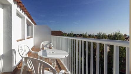 3-estudio-superior-2-3-terraza.jpg