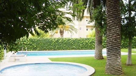 apartamentos-turisticos-san-jorge-piscina.jpg